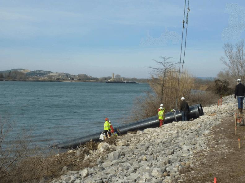pompage d'eau dans le Rhône