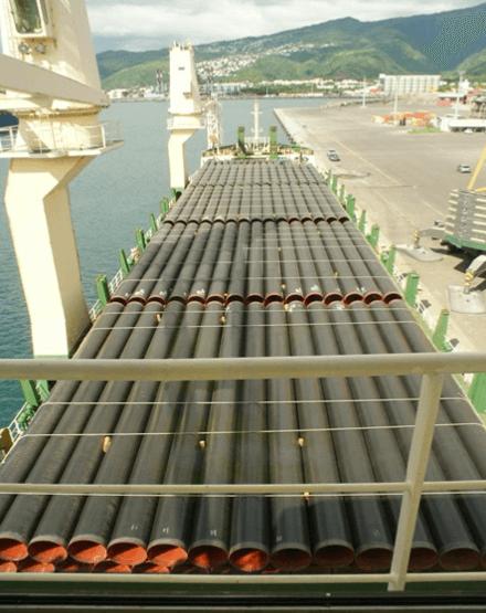 transport maritime de tuyaux acier