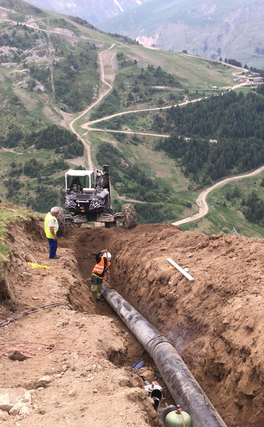 tranchée de canalisation pour réseau d'enneigement